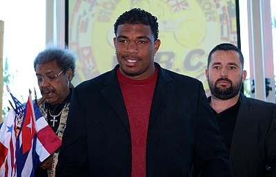 Don King, Odlanier Solis, Ahmet Öner ©David Martin Warr / DKP.