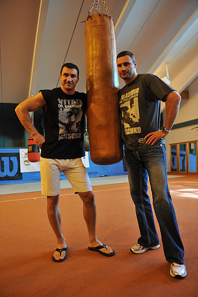 Wladimir Klitschko, Vitali Klitschko KMG.