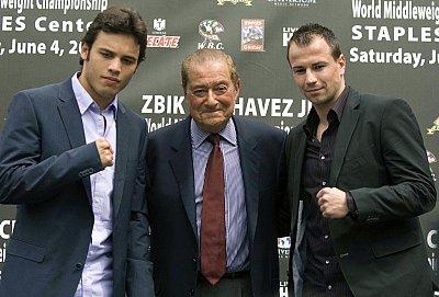 Julio Cesar Chavez Jr., Bob Arum, Sebastian Zbik ©Universum Box-Promotion.