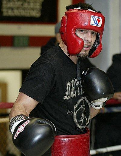 Robert Guerrero ©TJ Hogan - Hoganphotos/Golden Boy Promotion.