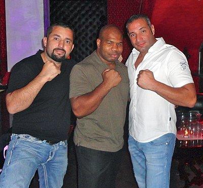 Ahmet Öner, Darnell Wilson, Donato DeMartiis ©ARENA.