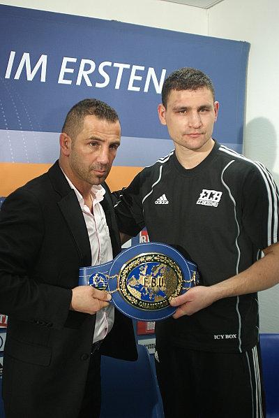 Oktay Urkal, Alexander Alekseev ©EC Boxpromotion.