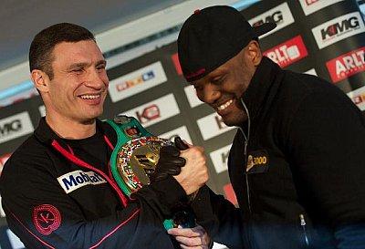 Vitali Klitschko, Dereck Chisora ©KMG / Dmitriy Abramov.