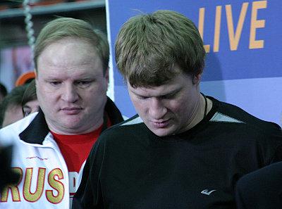 Wladimir Hryunov, Alexander Povetkin ©Nino Celic.