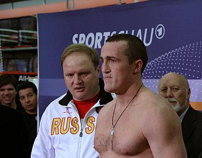 Vladimir Hryunov, Alexander Povetkin ©Nino Celic.