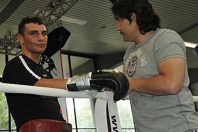 Noel Gevor, Erol Ceylan ©EC Boxing.