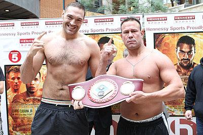 Tyson Fury, Vinny Maddalone ©Hennessy Sports.