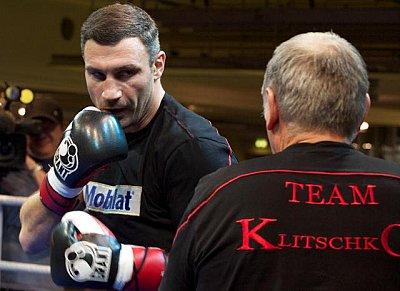 Vitali Klitschko, Dereck Chisora ©KMG.