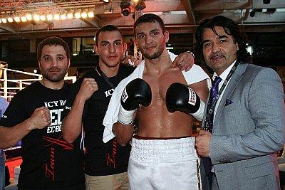 Khoren Gevor, Abel Gevor, Noel Gevor, Erol Ceylan ©EC Boxing.