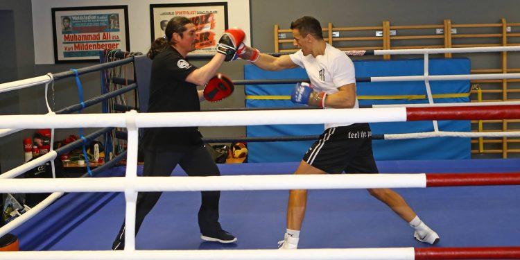 SES Boxing-Krasniqi, Schaburow