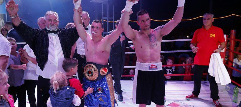 Foto: go4boxing_Neuter IBO international Champion Angelo Frank