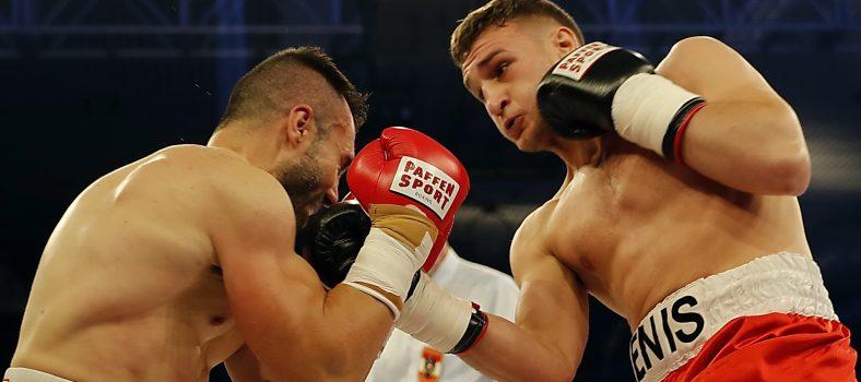 Foto: Wolfgang Wycisk_Denis Radovan verprügelt Francisco Duran