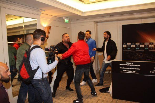 Foto World Boxing Super Series_Ahmet Öner