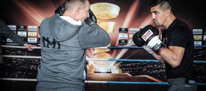 Conny Mittermeier mit seinem ehemaligen Schützling Marco Huck beim Pressetraining